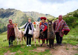 sacred-valley-llamas-alpacas-tour