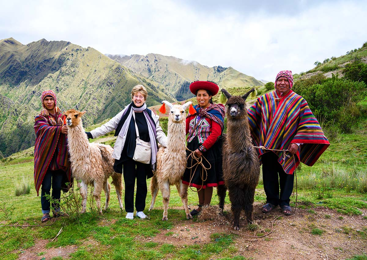 Hike With Alpacas in Chichero
